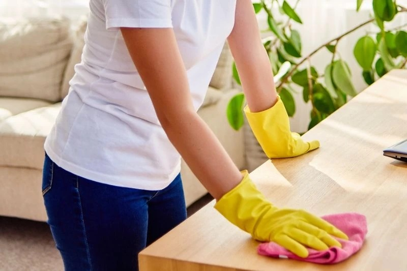 What are the benefits of furniture polish?